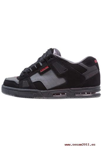Zapatilla Globe Sabre II black/pewter/red